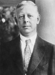 American stock trader Jesse Livermore (1877 - 1940), circa 1935. (Photo by Topical Press Agency/Hulton Archive/Getty Images)